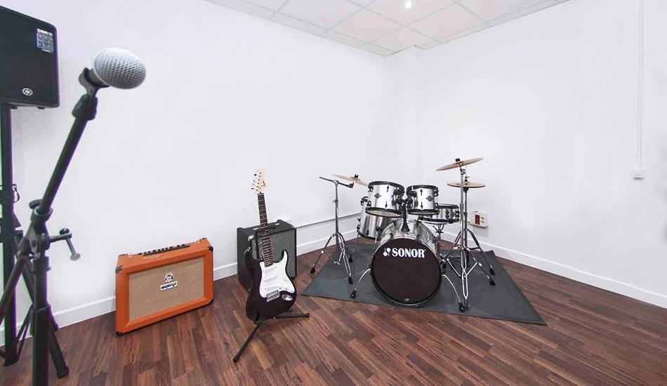 sala-rockola-bonzo-locales-de-ensayo1